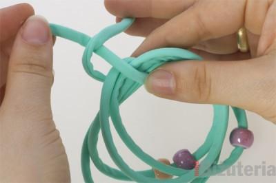 Jak zawiazac bransoletke z gumki lycra
